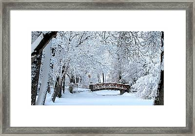 The Bridge In Winter Framed Print by Vinnie Oakes