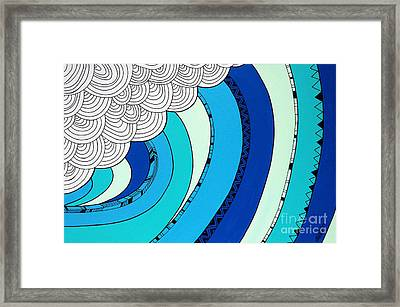 The Curl Framed Print by Susan Claire