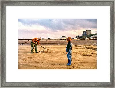 The Digger Framed Print by Steve Ladner