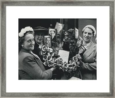 The End Of Rationing In Britain. Housewives Present The Framed Print by Retro Images Archive