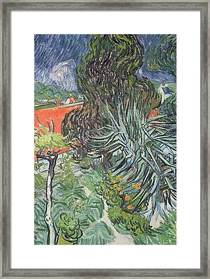 The Garden Of Doctor Gachet At Auvers-sur-oise Framed Print by Vincent van Gogh