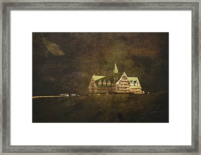 The Historic Prince Of Wales Hotel Framed Print by Roberta Murray