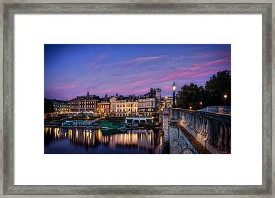 The Iconic Richmond By The River Framed Print by Leigh Cousins