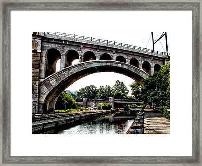 The Manayunk Bridge Over The Canal Framed Print by Bill Cannon