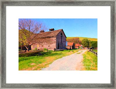 The Old Barn 5d22271 Framed Print by Wingsdomain Art and Photography