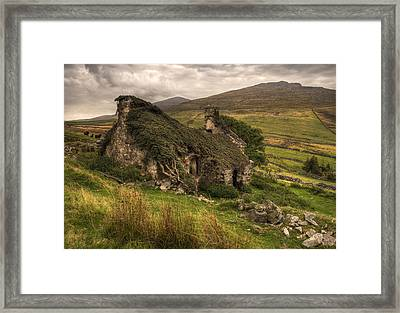 The Old Forgotten Farmhouse Framed Print by Mal Bray