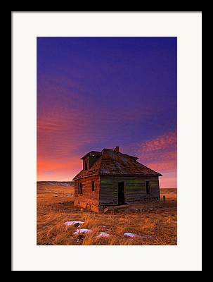Old Farm House Framed Prints