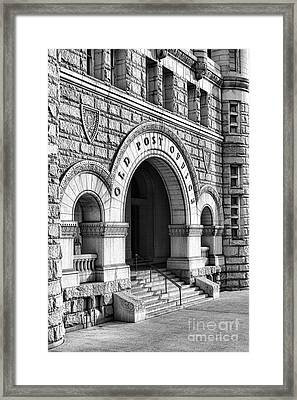 The Old Post Office Pavilion  Framed Print by Olivier Le Queinec