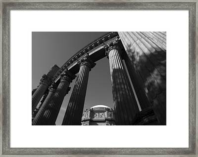 Framed Print featuring the photograph The Palace Of Fine Arts In San Francisco by Yue Wang