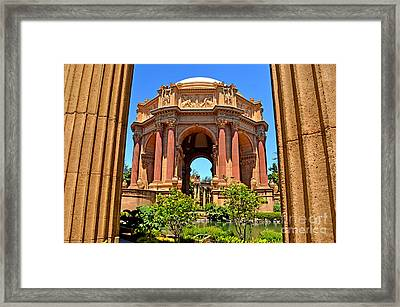 The Palace Of Fine Arts In The Marina District Of San Francisco Framed Print by Jim Fitzpatrick