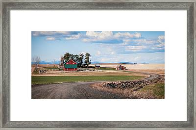 The Red Barn Framed Print by Stephen Beaumont