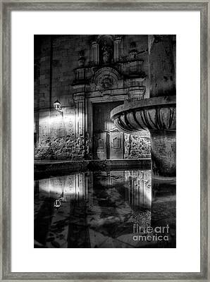 The Reflection Of Fountain Framed Print
