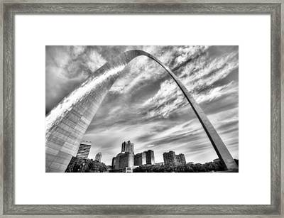 The Saint Louis Arch And City Skyline In Black And White Framed Print