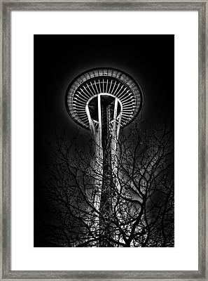 The Seattle Space Needle At Night Framed Print by David Patterson