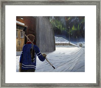 The Shinny Player Framed Print by Dave Rheaume
