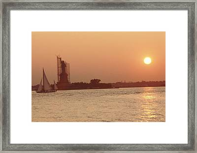 The Statue Of Liberty Framed Print by Retro Images Archive
