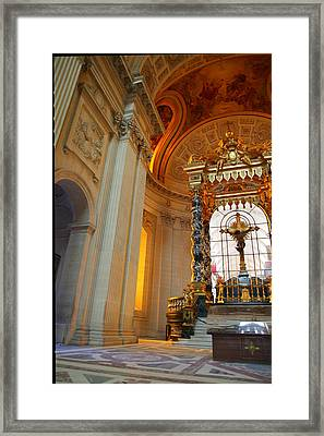 The Tombs At Les Invalides - Paris France - 01135 Framed Print