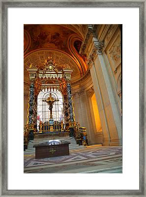 The Tombs At Les Invalides - Paris France - 01136 Framed Print