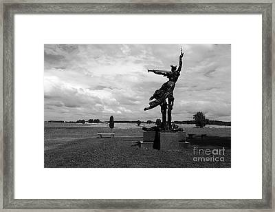 The Trumpet Sounds At Gettysburg Framed Print