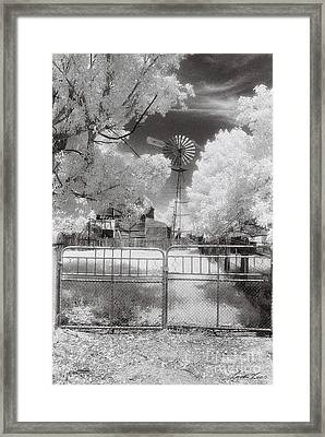 There's No Place Like Home Framed Print by Linda Lees