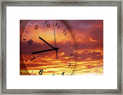 Time Passing Framed Print by Les Cunliffe