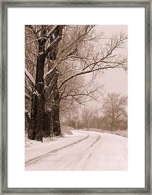 To Grandma's House Framed Print by Carol Groenen