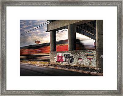 To Oz Framed Print by Fred Lassmann