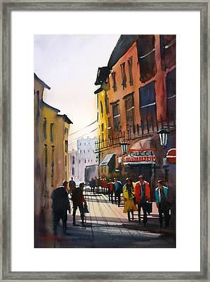 Tourists In Italy Framed Print