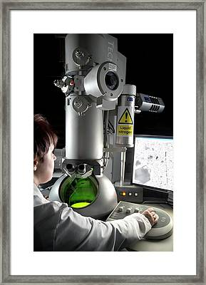 Transmission Electron Microscopy Framed Print by Crown Copyright/health & Safety Laboratory Science Photo Library