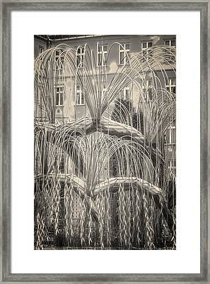 Tree Of Life Dohany Street Synagogue Framed Print