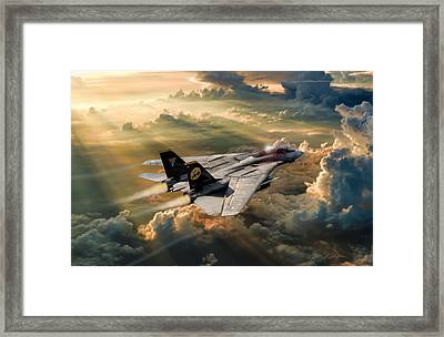 Twilight Tomcatter Framed Print by Peter Chilelli
