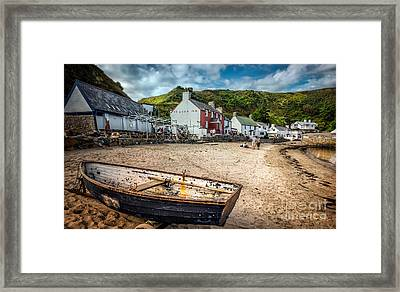 Ty Coch Inn Framed Print by Adrian Evans