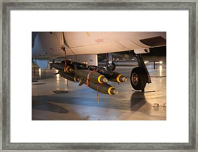 Udvar-hazy Center - Smithsonian National Air And Space Museum Annex - 121227 Framed Print by DC Photographer