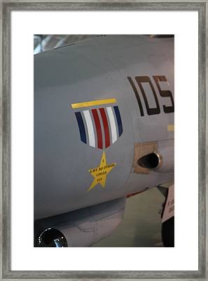 Udvar-hazy Center - Smithsonian National Air And Space Museum Annex - 121240 Framed Print by DC Photographer