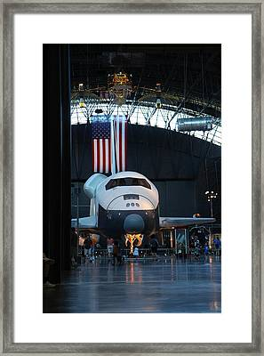 Udvar-hazy Center - Smithsonian National Air And Space Museum Annex - 121255 Framed Print by DC Photographer