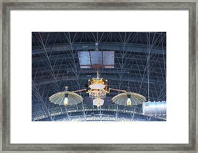 Udvar-hazy Center - Smithsonian National Air And Space Museum Annex - 121256 Framed Print by DC Photographer