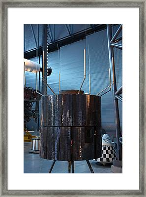 Udvar-hazy Center - Smithsonian National Air And Space Museum Annex - 121265 Framed Print by DC Photographer