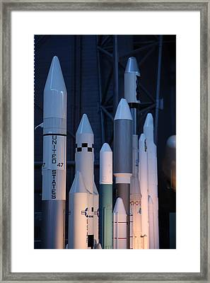 Udvar-hazy Center - Smithsonian National Air And Space Museum Annex - 121267 Framed Print by DC Photographer