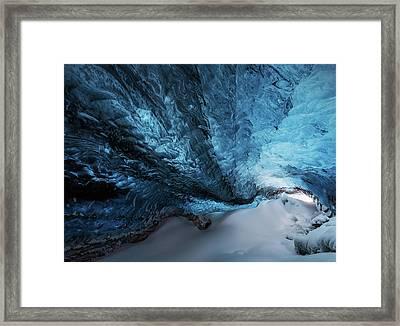 Una Grieta Azul. Framed Print
