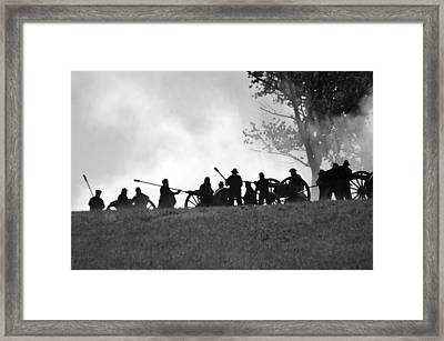Union Artillery On Webster's Hill - Perryville Ky Framed Print