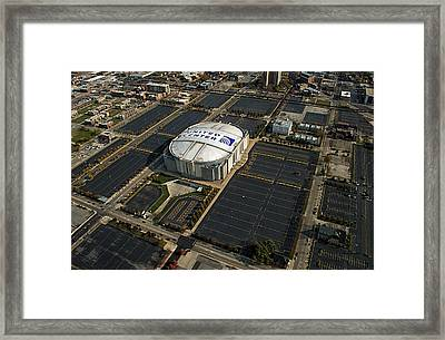 United Center Chicago Sports 10 Framed Print by Thomas Woolworth
