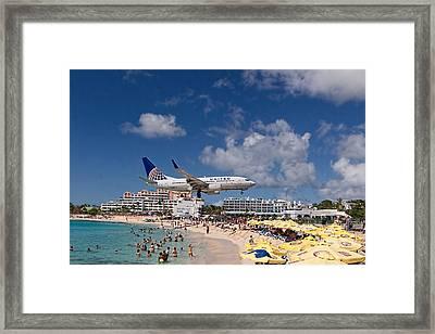 United Low Approach St Maarten Framed Print