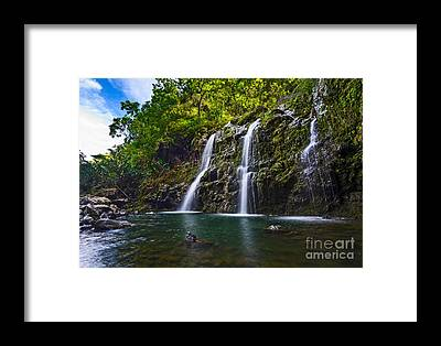 Famous Waterfall Framed Prints