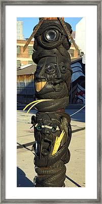 Urban Totem Pole In E. L A Framed Print by Lorenzo Williams