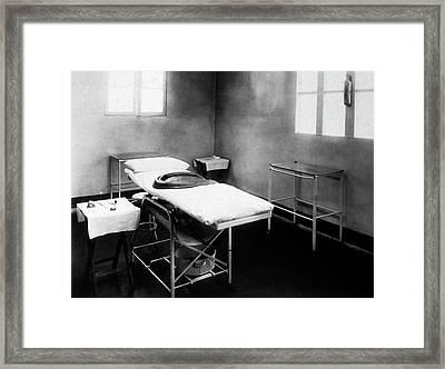 Us Operating Room Framed Print