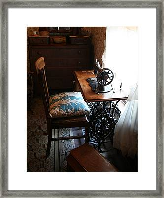 Usa Remembered  Preserving The Past Series Photography By Michele Bruce - Carter - Sewing Machine Framed Print