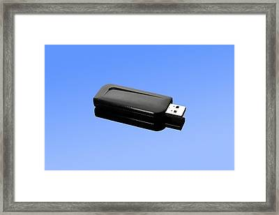 Usb Memory Stick Framed Print by Science Photo Library