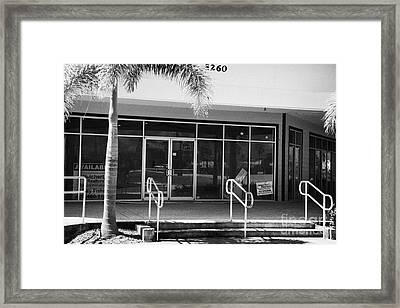 Vacant Empty Strip Mall In Kissimmee Florida Usa Framed Print by Joe Fox