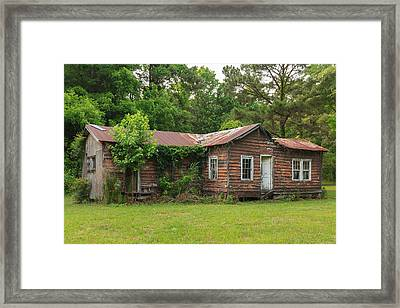 Framed Print featuring the photograph Vacant Rural Home by Patricia Schaefer