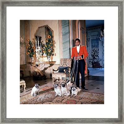 Valet Sydney Standing With The Duke And Duchess Framed Print by Horst P. Horst